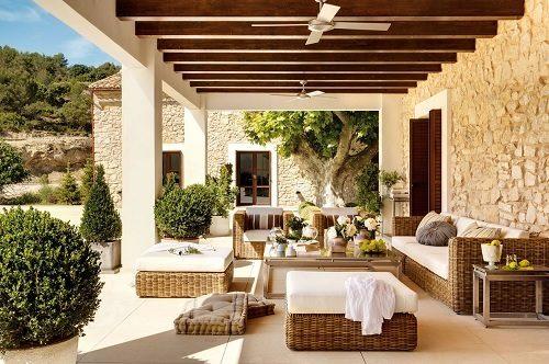 Le tettoie in legno per un ambiente esterno vivibile for Arredare casa costi