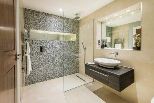 Informazioni e consigli sulle piastrelle in mosaico - Piastrelle bagno mosaico prezzi ...